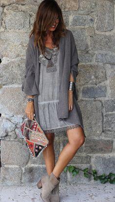 Mytenida con vestido lencero by The Amity Company