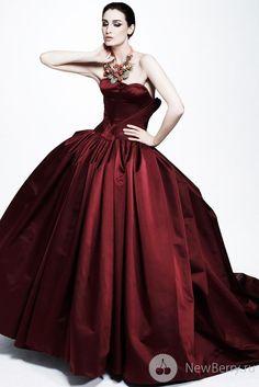 Zac Posen 2013 ..... Magnifico, sembra un vestito per un ballo a corte!!! Un sogno <3