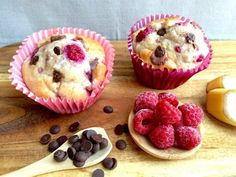 If you're looking for a healthy snack under 100 calories, our banana, raspberry and chocolate chip muffins is a must-try! Healthy Mummy Recipes, Healthy Dessert Recipes, Healthy Treats, Gourmet Recipes, Healthy Breakfasts, Healthy Eating, Clean Eating, Healthy Cake, Healthy Cooking