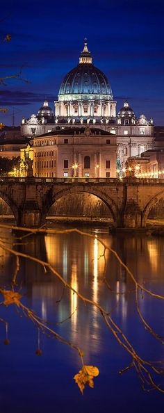 Have you ever walked around Rome, Italy, at night? Vibrant pictures of Rome, Italy show the exciting but calm atmosphere that pulsates all over Rome tourist attractions. Visit Rome, Visit Italy, Architecture Antique, Beautiful Architecture, Beautiful Places To Visit, Wonderful Places, Architecture Romaine, Places Around The World, Around The Worlds