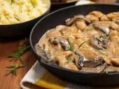 Az eredeti recept alapja a marhabélszín, mi faragtunk a költségvetésen, és csirkével pótoltuk azt. 🐓