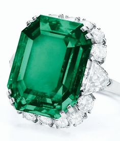 Emerald and diamond jewelry by Bulgari, given to Elizabeth Taylor by her husband, Richard Burton. The bracelet, earrings and necklace with detachable pendant/brooch were given as a parure, or set; Elizabeth Taylor Schmuck, Emerald Jewelry, Emerald Rings, Bulgari Jewelry, Diamond Rings, Diamond Tiara, Ruby Rings, Diamond Jewelry, Silver Jewelry