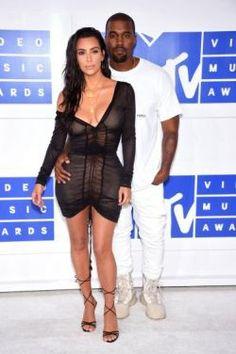 Kanye West interrompe show em Nova Iorque após Kim Kardashian ser ameaçada em Paris #CNN, #Festival, #KimKardashian, #M, #Moda, #Noticias, #Nova, #Paris, #Popzone, #Rapper, #Show, #Status, #Twitter http://popzone.tv/2016/10/kanye-west-interrompe-show-em-nova-iorque-apos-kim-kardashian-ser-ameacada-em-paris.html