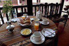 Hostal Quipu, hospedaje cusco una bella casa colonial, cuyos balcones y puertas talladas y el encanto de su patio lo invitan a un espacio diferente.