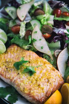 Combining all of the classic flavors paired with salmon into one recipe, this citrus glazed fish is a light and refreshing main dish for all year round. Salmon Recipes, Fish Recipes, Seafood Recipes, Healthy Snacks, Healthy Eating, Healthy Recipes, Orange Glazed Salmon, Paleo Dinner, So Little Time