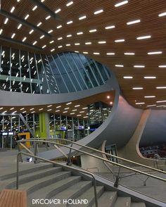 _______________________________________________ @ig_discover_holland  Present our artist: Rick van Dijck  @rickvdijck  Arnhem  __________  Note:  Station Arnhem Centraal is het centrale spoorwegstation van Arnhem.  Welkom in de wereld van de Spoorbouwmeester. Bert Dirrix architect en stedenbouwkundige uit Eindhoven is sinds begin dit jaar verantwoordelijk voor de vormgeving in de spoorsector. Bij een rondleiding door station Arnhem speekt hij vol lof over vloeiende lijnen rechthoekige volume... Technology Design, Science And Technology, Transport Hub, Un Studio, Sales Center, Train Stations, Sound Design, Urban Planning, Holland