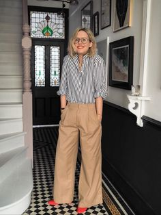 Get Alex out of the Annie Hall inspired look of frugality by . - Get Alex out of the Annie Hall inspired look of frugality by combining our pleated khakis (availabl - Mode Outfits, Casual Outfits, Fashion Outfits, Womens Fashion, Casual Clothes, Fashion 2018, Style Clothes, Fashion Clothes, Fall Outfits