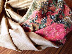 gemustert - Loop Asien Blüten Batik Rot Grün Ocker Gold Seide - ein Designerstück von Takamaka_Hera bei DaWanda