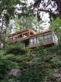 Exterior Midcentury Modern Houses Design, Pictures, Remodel, Decor and Ideas - page 11 Shipping Container Home Designs, Container House Design, Shipping Containers, Sustainable Architecture, Architecture Design, Haus Am Hang, Hillside House, Diy House Projects, Modern House Design