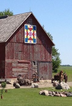 Quilt Barn & Old Farm Machinery