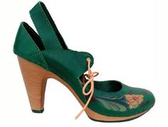 38b82fe561fb57 chaussures, cuir, vert, Haute Couture, Magasin De Chaussures Louboutin,  Christian Louboutin