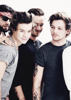 One Direction>> the way Louis looked at Harry