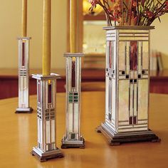 Franklin Lloyd Wright: Stainglass Design inspired by the famous architect.