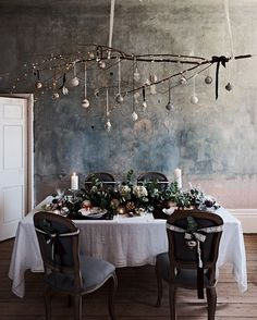 Dec the Halls with Brissi this Christmas — Heart Home Christmas table styling Modern Christmas, Rustic Christmas, Christmas Home, Vintage Christmas, Christmas Holidays, December Holidays, 22 November, Christmas Wedding, Christmas Ideas