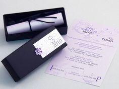 Invitación de boda - CAJA NEGRA CON PERGAMINO EN MALVA