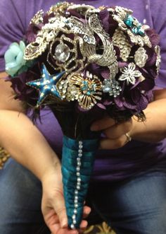 Show me your brooch bouquets! :  wedding bouquet brooch Photo 11