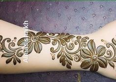 125 Stunning Yet Simple Mehndi Designs For Beginners Henna Flower Designs, Henna Tattoo Designs Simple, Mehndi Designs Book, Mehndi Designs For Beginners, Mehndi Design Photos, Mehndi Designs For Fingers, Mehndi Images, Hand Designs, Hand Tattoos For Girls