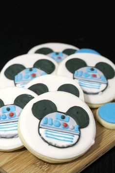 R2-D2 Mickey Mouse C