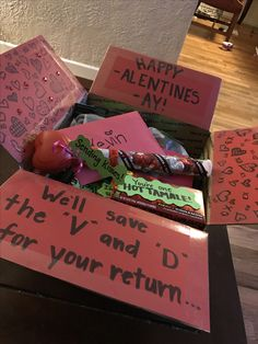 Valentine's Day Care Package Military Cute Ideas, Military Valentine's Day Ideas, Display your scholar that you adore and miss her , Cute Boyfriend Gifts, Bf Gifts, Diy Gifts For Him, Valentines Gifts For Boyfriend, Boyfriend Boyfriend, Valentines Day Care Package, Valentine Day Boxes, Valentines Diy, Deployment Care Packages