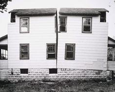 Gordon Matta-Clark, Splitting, 1974 — New Jersey  #GISSLER #interiordesign