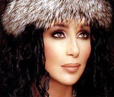 Cher no sólo publicará un nuevo disco en los próximos meses, sino que tras su lanzamiento iniciará la que podría ser la última gira de su carrera, según acaba de anunciar la propia cantante en su cuenta de Twitter. Ver más en: http://www.elpopular.com.ec/46137-cher-anuncia-su-enesima-gira-de-despedida.html?preview=true&preview_id=46137&preview_nonce=0a44f18660