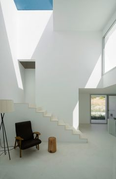 Casa H is a house near Madrid designed by Bojaus Arquitectura as a simple white cuboid punctuated by openings that create windows, porches and patios. Contemporary Architecture, Architecture Details, Interior Architecture, Interior And Exterior, Minimal Architecture, Space Interiors, Interior Decorating, Interior Design, Beautiful Space