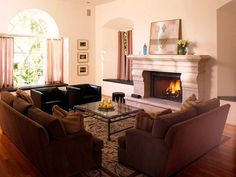 6 Luxurious Fireplaces for Modern Living Rooms