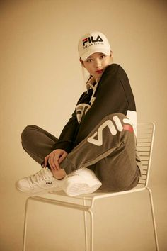 Tomboy Fashion, Kpop Fashion, Asian Fashion, Kim You Jung, Korean Makeup Look, Pose Reference Photo, Airport Style, Girl Photography, Aesthetic Clothes