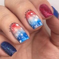 Patriotic nails. (by @kafig on IG)