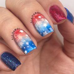 Patriotic nails. (by @kafig on IG)