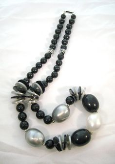 Vintage 1950s Black and Pearlized Silver and White Bead Necklace on Etsy via Etsy