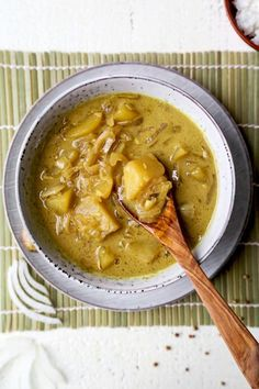 Loaded with warming spices and the rich sweetness of coconut milk, this Thai Potato Curry Recipe is a sure hit. Flavor packed and completely vegan, this is one Thai curry you'll definitely want to have Easy Vegetarian Curry, Vegan Curry, Vegetarian Recipes, Healthy Recipes, Meal Recipes, Healthy Meals, Curry Recipes, Asian Recipes, Ethnic Recipes