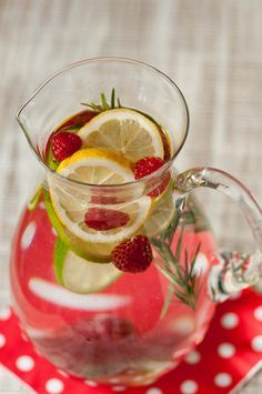 Una streghetta in cucina: Acqua aromatizzata