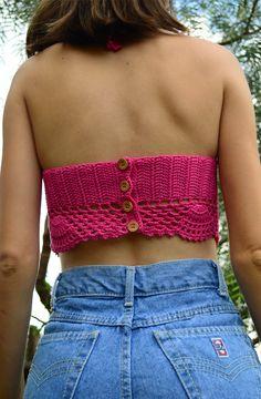 Detalhe das costas do cropped de crochet Pink  | Mariana Mazzaro
