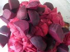 dying fabric with beets and pomegranate juice