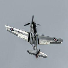 life-is-aviation Curtiss Tomahawk Ww2 Aircraft, Fighter Aircraft, Military Aircraft, Fighter Jets, Photo Avion, Airplane Art, P51 Mustang, Ww2 Planes, Aviation Art