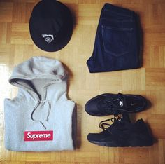 Supreme Box Logo Hoodie Gray Classic Set You'll never go wrong with the classic grays and plains. Streetwear Shop, Line S, Supreme Box Logo Hoodie, Stussy, Grey Hoodie, Hoody, My Outfit, Bucket Hat, Muse