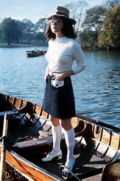 A very healthy young Linda Thorson, photogenically posing in a rowboat in a London park, shows why boyfriend John Bryce cast her as Tara King. It's a shame the show's fashions seldom served her this well. Long White Socks, Spy Shows, Avengers Girl, Tara King, Avengers Series, Avengers Images, Canadian Actresses, Preppy Style, Celebs
