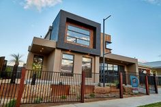 Bayside Display Home, double storey facades, timber facades, modern homes, new homes, builders, custom builders, designer homes