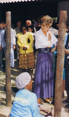 Princess Diana ,Zimbabwe - le 13 Juillet 1993 _ Suite
