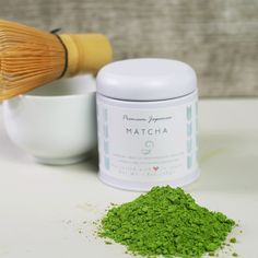 Have you ever peered into a cup of tea and felt yourself transported to a green field in the midst of spring or early summer? With a high quality Japanese matcha tea, you can brew yourself a cuppa… Green Tea Plant, Buy Green Tea, Green Teas, Matcha Green Tea Powder, Green Powder, Japanese Matcha Tea, Ceremonial Grade Matcha, Tea Ceremony, Sweet Tea