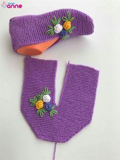 Baby Boy Knitting Patterns, Beginner Knitting Patterns, Knitting Stitches, Knitting Socks, Knit Slippers Free Pattern, Crochet Baby Dress Pattern, Knitted Slippers, Crochet Patterns, Baby Cocoon Pattern