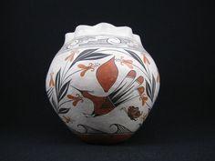 Acoma Pueblo Indian Pottery Olla - Signed :: Hummingbird