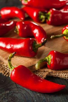 Fresno Pepper: Much More Than A Jalapeño Look-Alike.. grow it in your garden this summer! #peppers #gardening #vegetablegarden