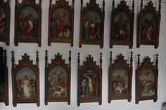 Lot: The way of the cross 14 pieces, terracotta on wood, Lot Number: 0050, Starting Bid: €500, Auctioneer: Meyers Tradings, Auction: Curious Noses Antiques & Curiosities, Date: December 6th, 2017 CET