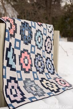 Quilty Love | Introducing The City Tiles Quilt Pattern Made using Yarn Dyed Essex Linen by Robert Kaufman and Cotton and Steel fabrics.   | http://www.quiltylove.com