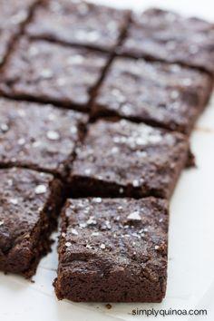 Fudgy Quinoa Brownies with flaked sea salt [gluten-free + vegan] Gluten Free Baking, Gluten Free Desserts, Gluten Free Recipes, Baking Recipes, Dessert Recipes, Gf Recipes, Healthy Recipes, Quinoa Desserts, Vegan Sweets
