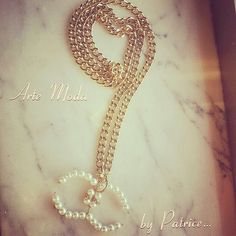 """Modello """"Il mito Chanel""""...collana lunga con catena dorata e con ciondolo raffigurante le due """"C"""" simbolo di Chanel..completamente realizzato a mano. ..#accessori#bijoux#bigiotteria#trendy#style#italia#girl#moda#fashion#cute#handmade#italia#summer#love#chanel#fashion#madeinitaly#modaitaliana#collana#golden#jewelry#jewels"""