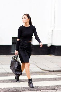 Black and White City - Peony Lim Peony Lim, Black And White City, Fade Styles, All Black Outfit, London Fashion, Street Fashion, Street Style Women, Fashion Details, Minimalist Fashion