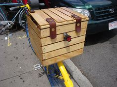 Chic Cyclists: Wooden Rack Box